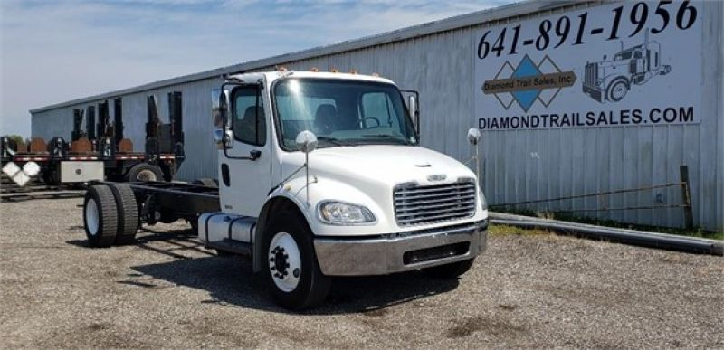 2005 FREIGHTLINER BUSINESS CLASS M2 106 5116997315