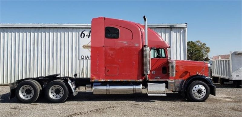 2001 FREIGHTLINER FLD132 CLASSIC XL 5156705507