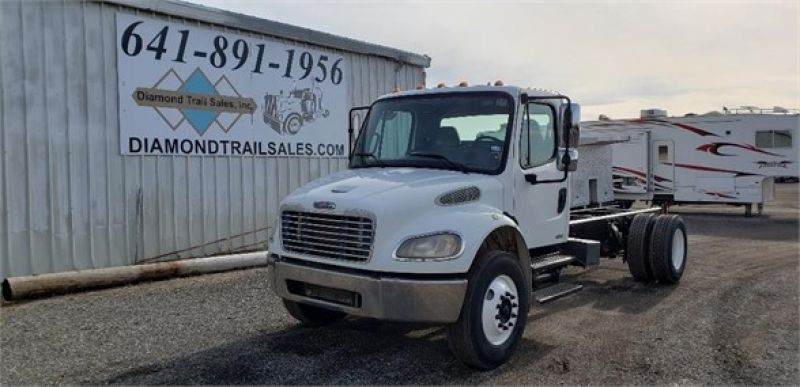 2004 FREIGHTLINER BUSINESS CLASS M2 106 5215315695