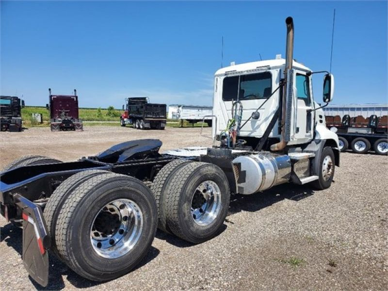 2013 MACK PINNACLE CXU613 6083700029