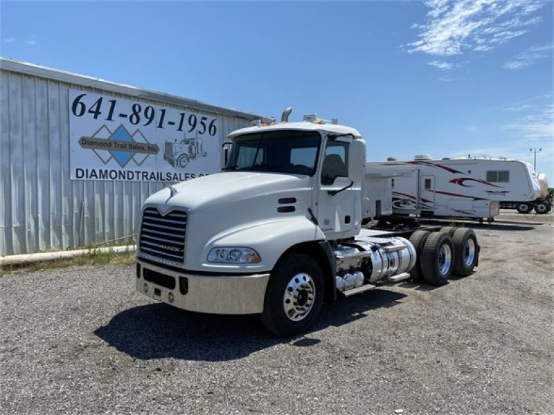 2012 MACK PINNACLE CHU613 6093155621