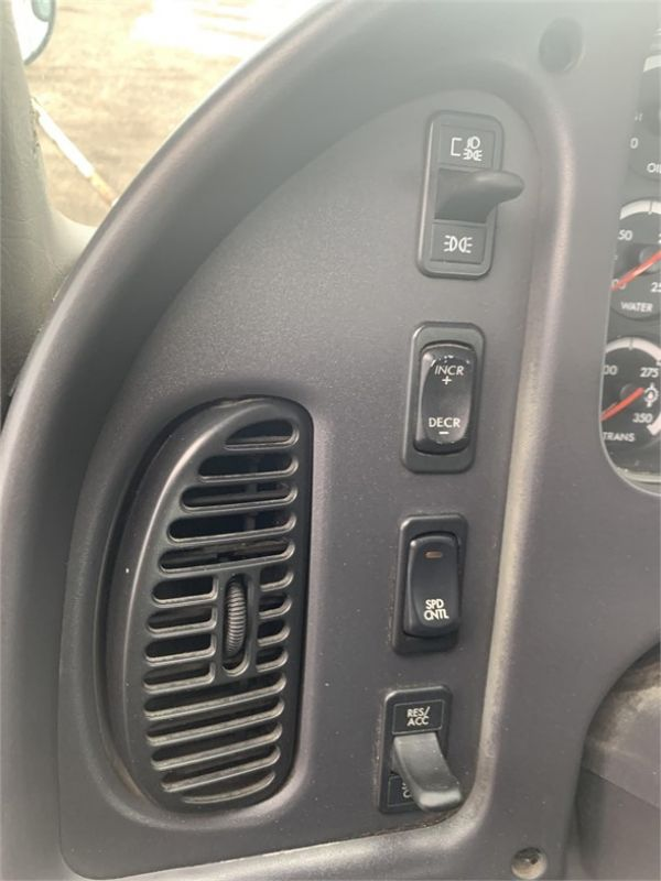 2007 FREIGHTLINER BUSINESS CLASS M2 106 6215205855
